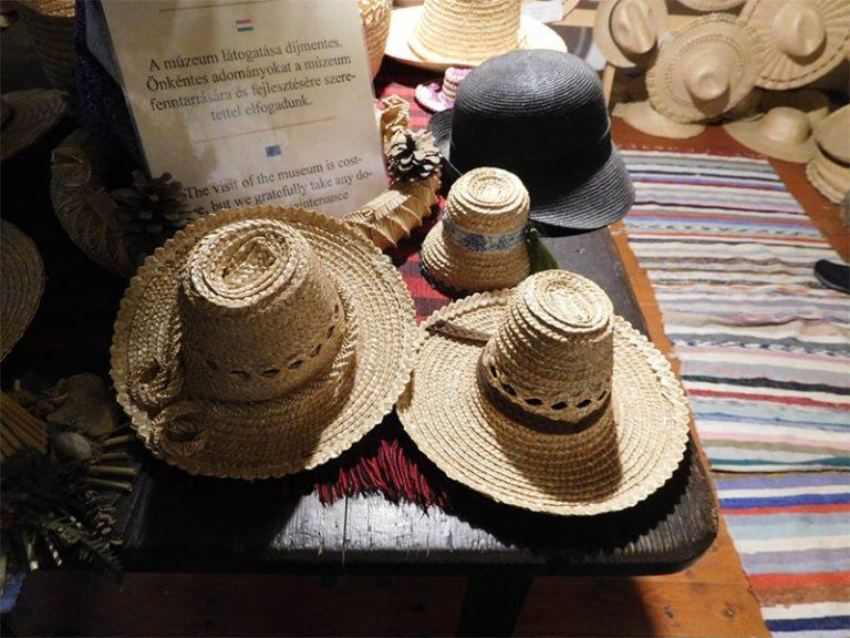 כובעי קש טיול בטעם של עוד קא לה מאמא